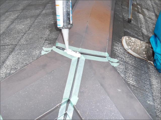屋根塗装前の棟板金補修